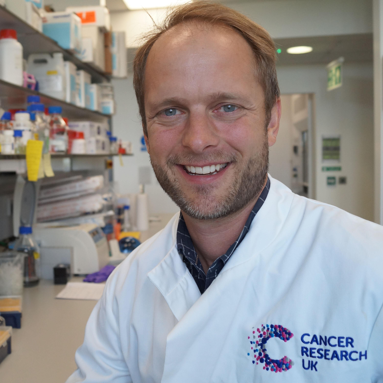 Dr Martin Miller