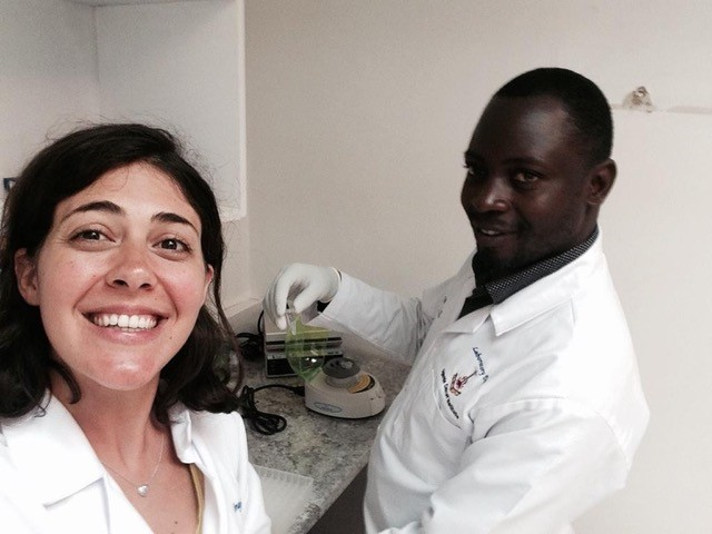 Marta Ferraresso and Sylivester Kadhumbula extracting the first DNA sample